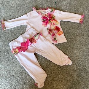 MiniClasix Baby Girl floral accent 2 piece New 6